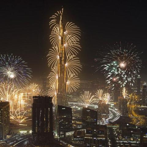 صور: الاستعدادات لاحتفالات رأس السنة 2020 بالأرقام