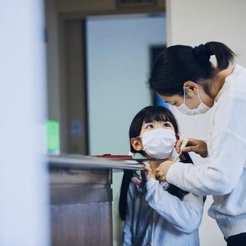 صور: لماذا يرتدي اليابانيون الأقنعة؟
