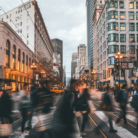 ${rs.image.photo} مدن حول العالم تمنحك المال لقاء الانتقال إليها