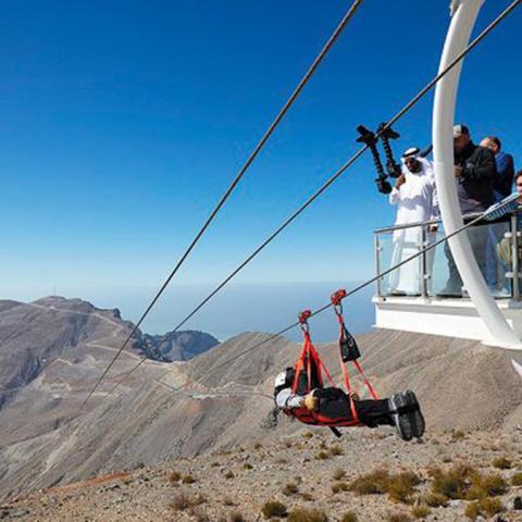 """صور: مغامرات جديدة بأعلى قمة في الإمارات """"جبل جيس"""""""