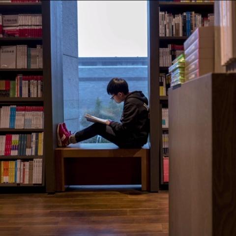 """صور: تحدي القراءة"""" لصناعة الأمل"""""""