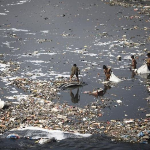 Photo: Polluted Environments Kills 1.7m Children a Year