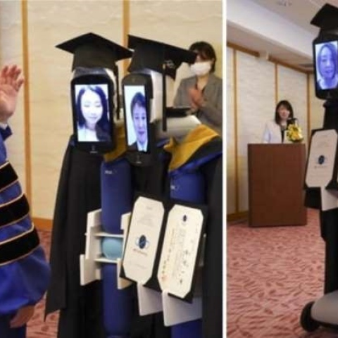 صور: حفل تخرج من الروبوتات بدلاً من الطلاب