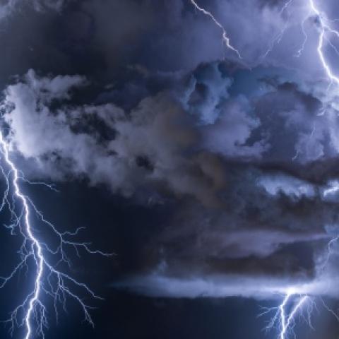 صور: أطول برق شهده العالم