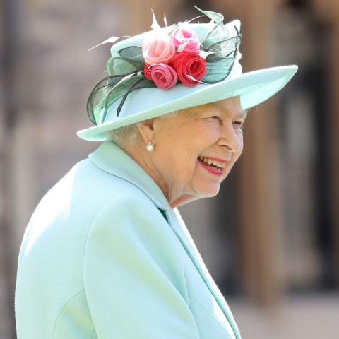 صور: من 1952 إلى 2020 لوحات رسمها فنانون للملكة إليزابيث الثانية تثير جدلاً واسعاً!