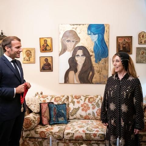 صور: وسام جوقة الشرف الفرنسي من ايمانويل ماكرون إلى السيدة فيروز