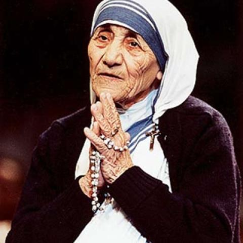 صور: اليوم العالمي للعمل الخيري: الأم تيريزا رائدة الخير والسلام