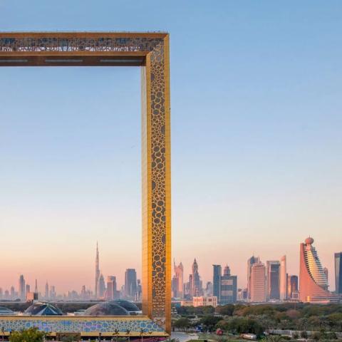 صور: عزف حيّ بآلات القانون والعود والقيثار في برواز دبي