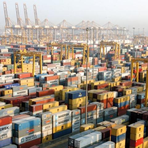 صور: تبادل تجاري ملياري من دبي عبر جمارك دبي