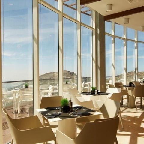 صور: أعلى مطعم في الإمارات في جبال جيس برأس الخيمة