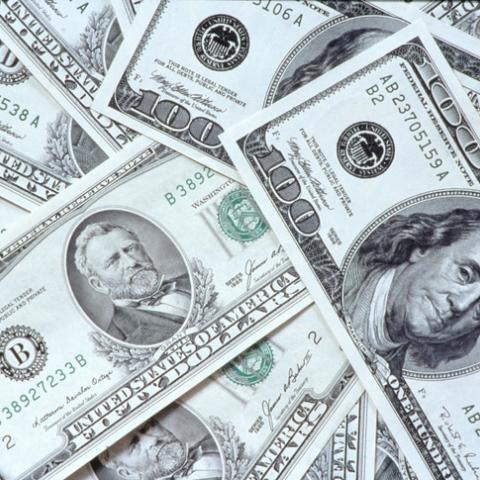 صور: الدولار ملك على عرش العملات!