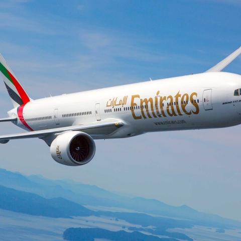 صور: طيران الإمارات تستعد لشحن لقاح فيروس كوفيد 19 إلى العالم
