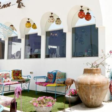 """صور: """"أودوروز"""" هدايا من عبق التراث العربي في دبي"""