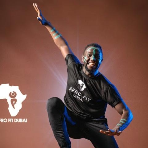 """صور: نادي""""أفروفيت"""" للرقص الإفريقي في دبي.. أداة للتواصل!"""