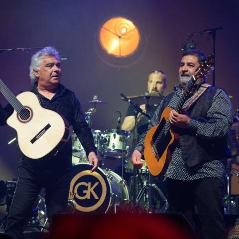 """صور: فرقة """"Gypsy Kings"""" في دبي تحيي تاريخ موسيقى الغجر حول العالم"""