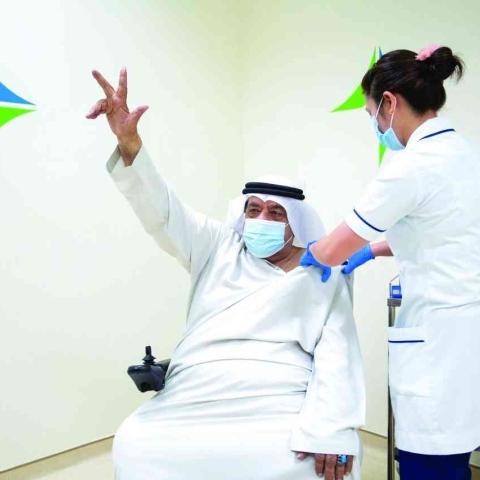 صور: دبي تباشر حملة التطعيم ضد فيروس كوفيد-19 وهذه أهم المعلومات عن اللقاح