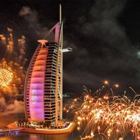 صور: دبي تعتمد مجموعة من الإجراءات الاحترازية للاحتفال برأس السنة