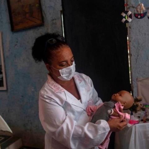 صور: مستشفى وطبيب مختص لعلاج الدمى في البرازيل