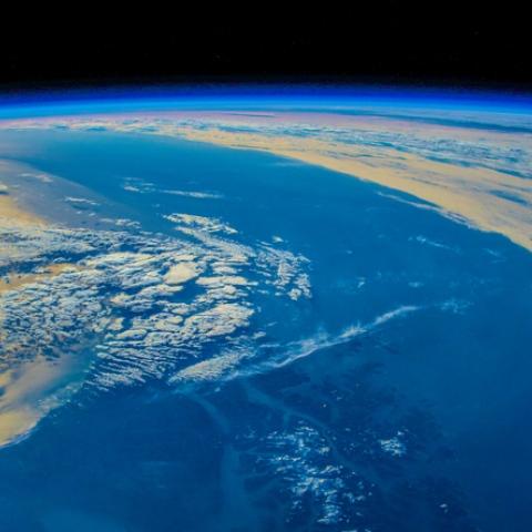 ${rs.image.photo} مصطلحات من نشرة الأخبار: المياه الدولية
