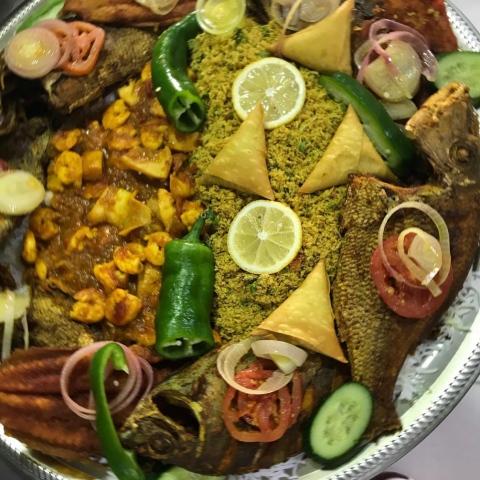 صور: مطعم الامبراطور في دبي.. متحف زمن الطيبين!