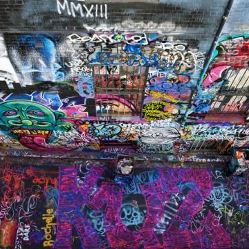 """صور: فن الرسم على الجدران """"الجرافيتي"""".. أداة للتواصل على مر العصور!"""