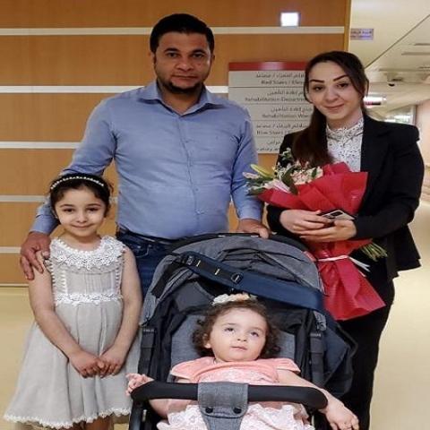 صور: محمد بن راشد يتكفل بعلاج طفلة عراقية مصابة بمرض نادر