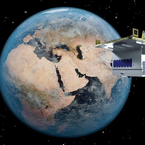 صور: بلدية دبي تطلق أول قمر اصطناعي بيئي لدراسة مناخ دبي والإمارات!