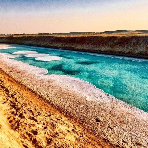 ${rs.image.photo} بحيرة الملح في أبوظبي.. مقصد محبي الرحلات والمستكشفين من حول الإمارات