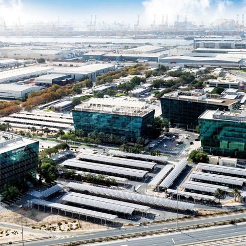 """صور: موانئ دبي العالمية وجافزا: """"الغذاء والدواء خط أحمر"""""""