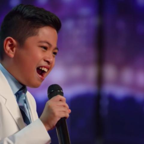 صور: طفل فلبيني من مواليد الإمارات يُبهر لجنة تحكيم برنامج America's Got Talent 2021