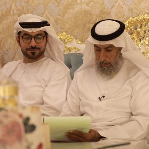 صور: خلف كواليس عقود الزواج: قصص ممتعة ومواقف غريبة مع المأذون الشرعي عبدالله موسى