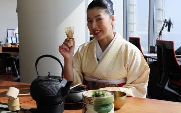 """ياسايو سوزوكي """"من اليابان مع الحب"""""""